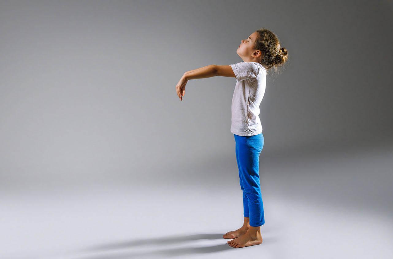 Что делать, если появился лунатизм у детей и способы его лечения