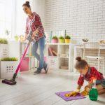 Как приучить ребенка к порядку? Даже самые маленькие члены семьи могут помочь по дому!