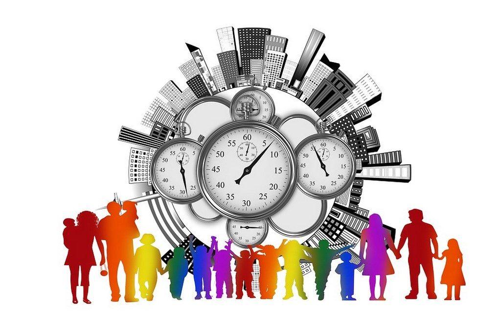 изображение людей на фоне часов