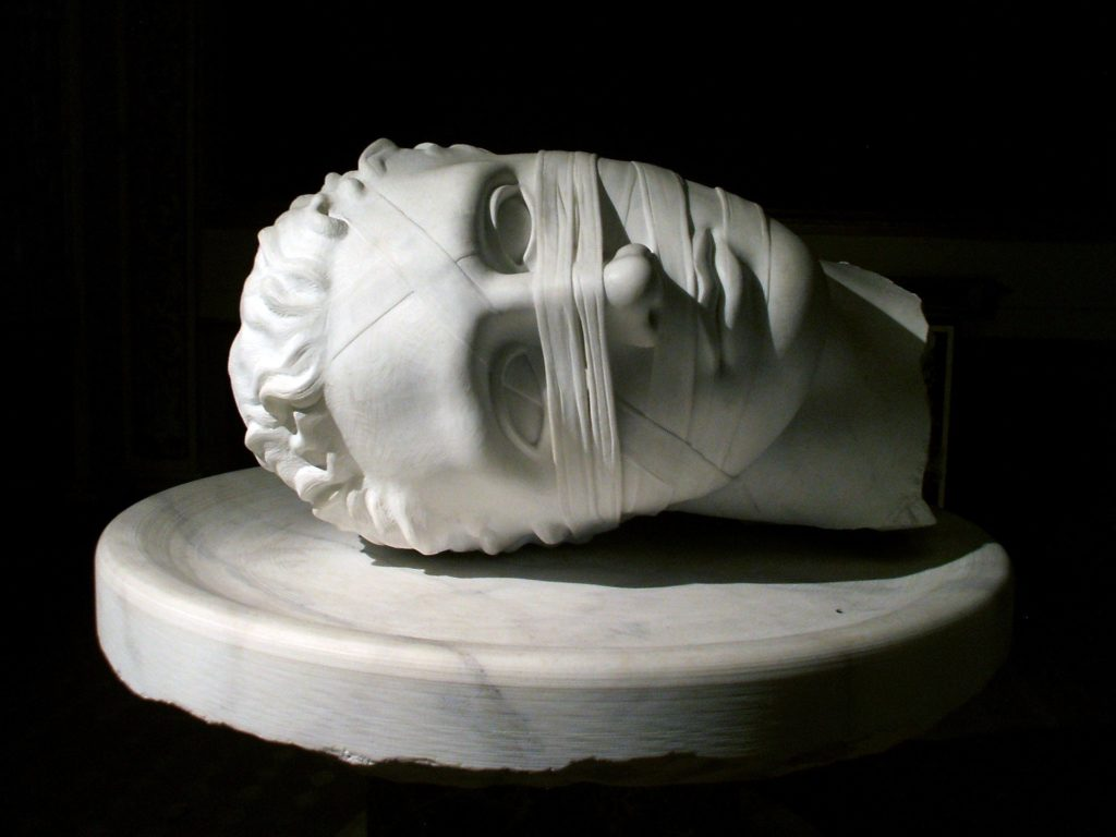 скульптура головы без тела