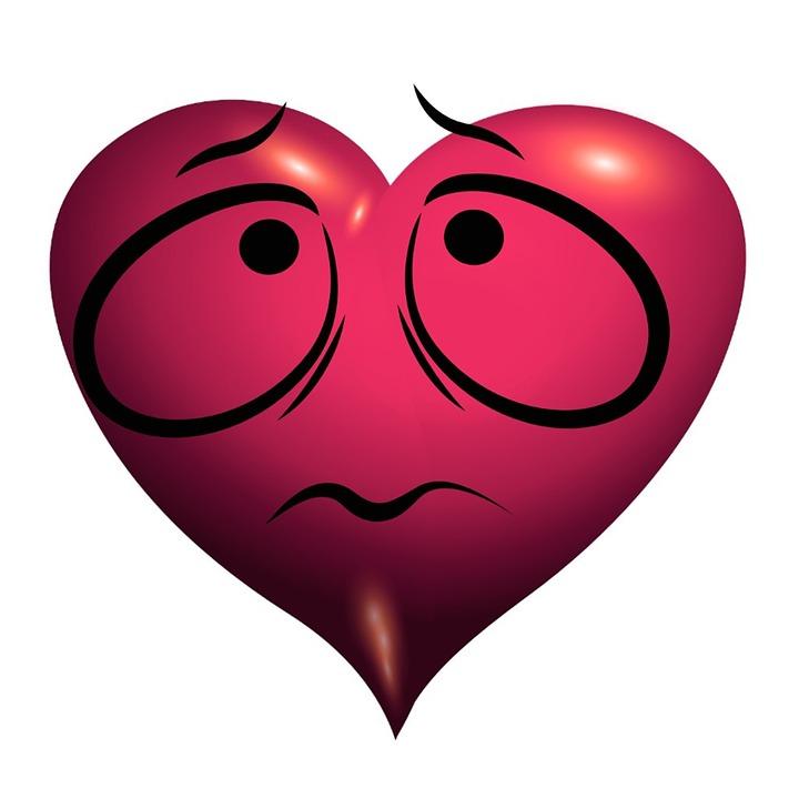 сердце с глазками и грустным выражением лица